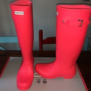 Hyper pink hunter boots new